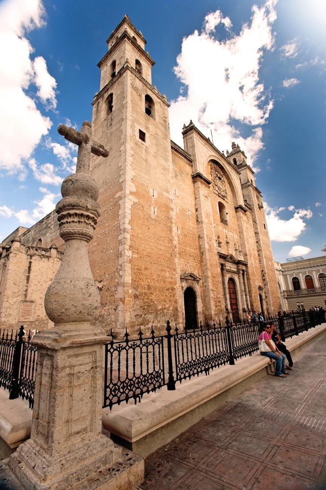 VTH_Duo Cancun-Merida_Merida_cathedral1