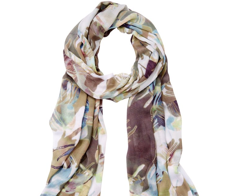 Chapters scarf, 8 Cheap Christmas Gift Ideas for Co-workers