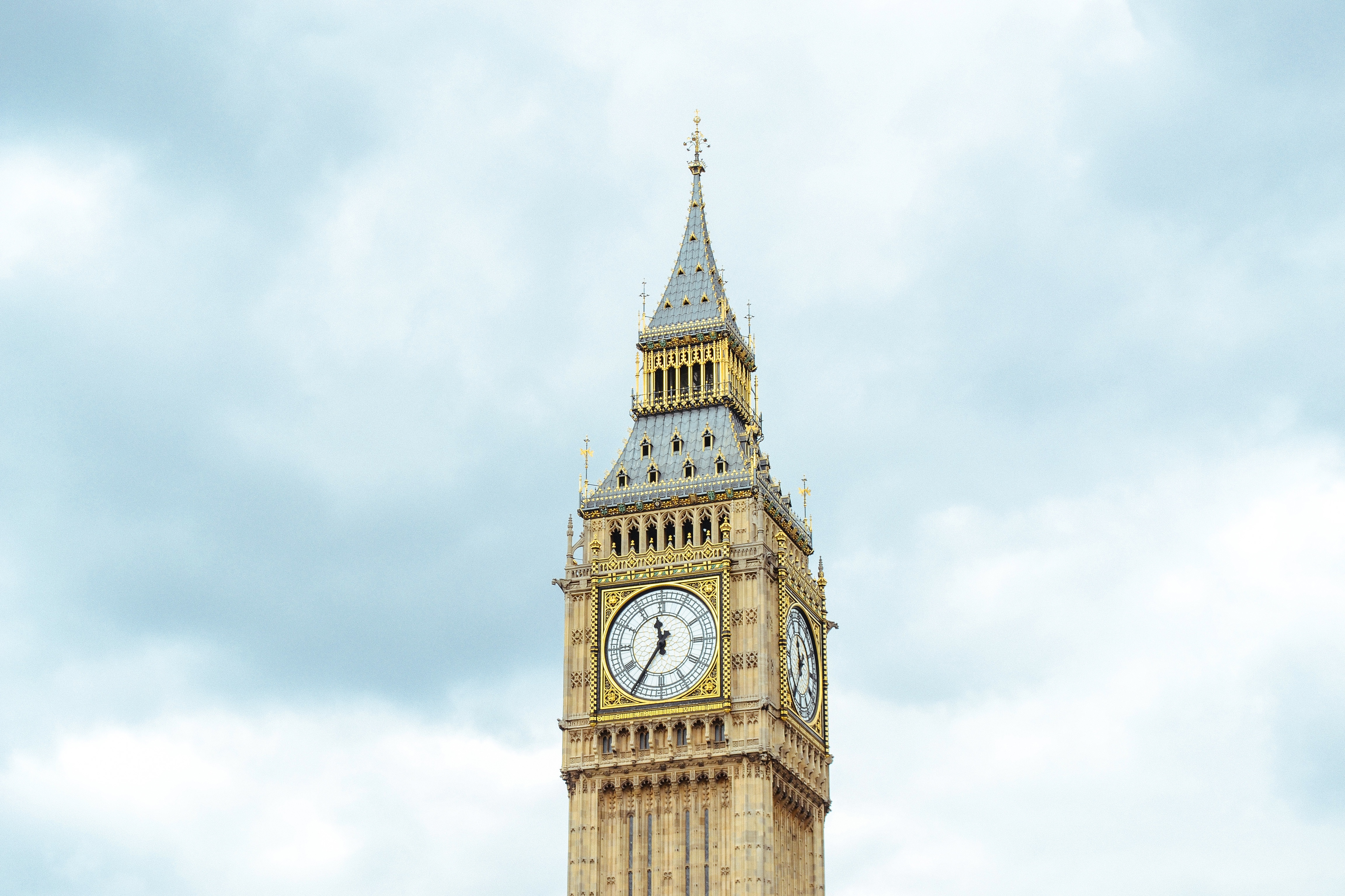 Only have 48 hours in London? Here are The Best Places to Visit in London- including Big Ben.