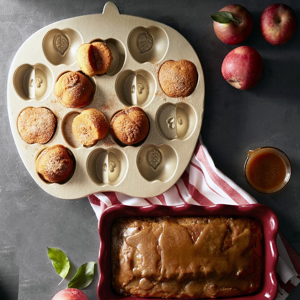 nordic-ware-apple-cakelet-pan