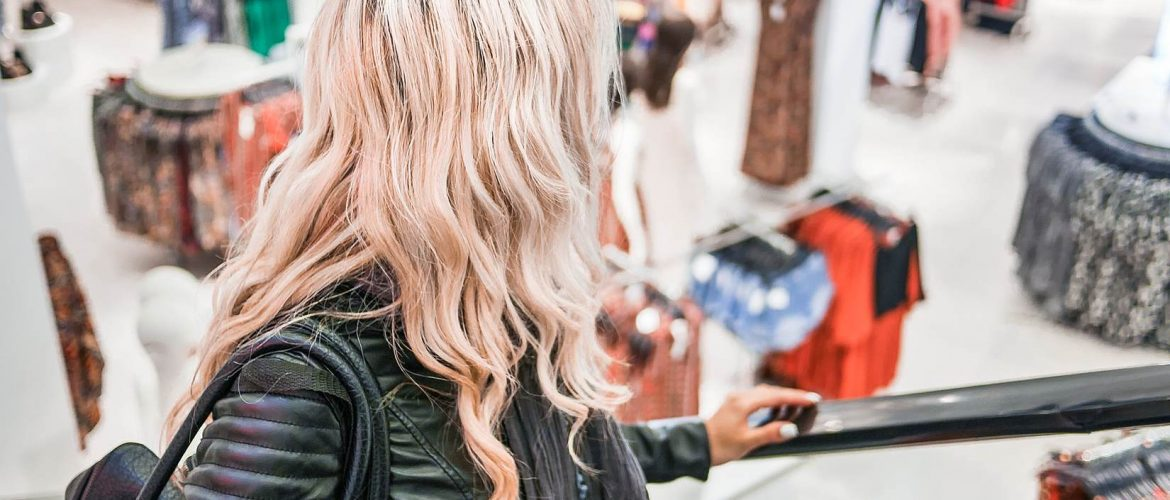 8 Ways To Keep Your Hair From Drying Out This Winter